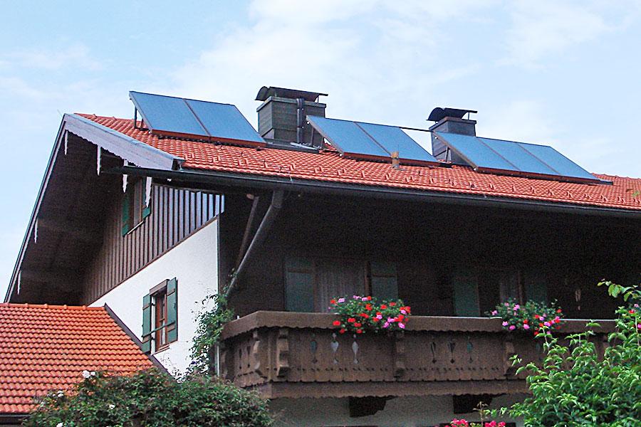 Installation Solaranlage für Warmwasser und Heizungsunterstützung in Marquartstein